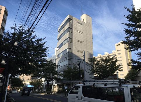 名古屋市名東区にある商業ビル